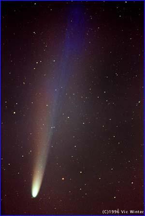 La comète Hyakutake le 20 avril 1996. Photo Vic Winter