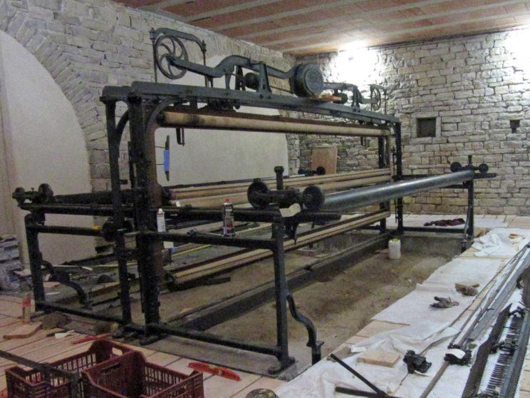 Métier à broder - Montage - Tubes chariots en place.jpg
